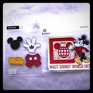 Mickey patch set and Disney World 1971 car magnet